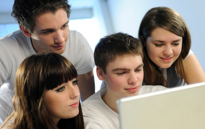 Incorporating Classroom Elements into E-learning