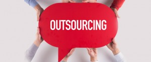 4 Things to Consider Before Outsourcing Rapid E-learning [Infographic]